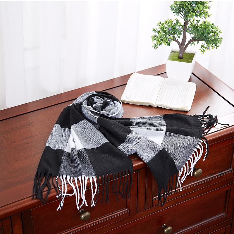 恒源祥保暖围巾(黑白灰格子)