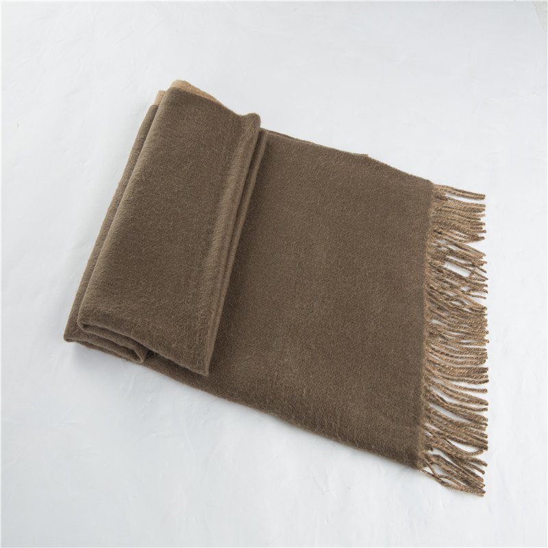 恒源祥双面羊羔绒披肩(棕色)HYX2010
