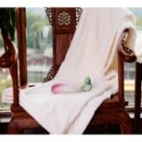 珊瑚绒蚕丝 护肤毯白